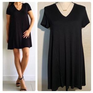 Zara Trafalic black v-neck tshirt dress Sz S